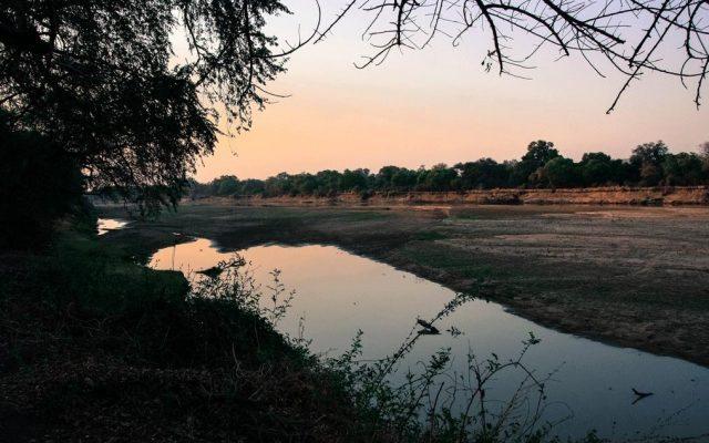 Sonnenuntergang am Luangwa, Sambia