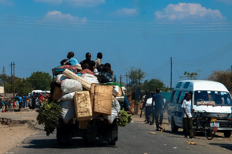 Autofahren in Afrika: Transport in Malawi