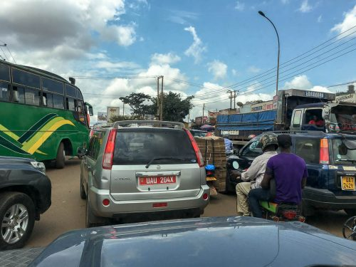 Uganda: Stadtverkehr ist wie Autoscooter fahren
