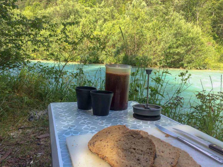 Kaffee überm Feuer – Genuss beim Campen